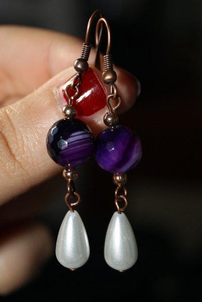 orecchini con diaspro viola e perle a goccia