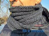 Scaldacollo uomo / donna fatto a mano in lana con righe orizzontali in rilievo