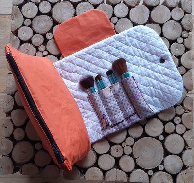 Beauty case con porta pennelli