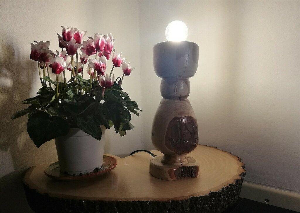 Superficie Solare - lampada in legno