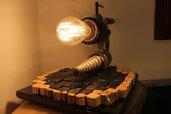 Oro Nero - lampada in legno
