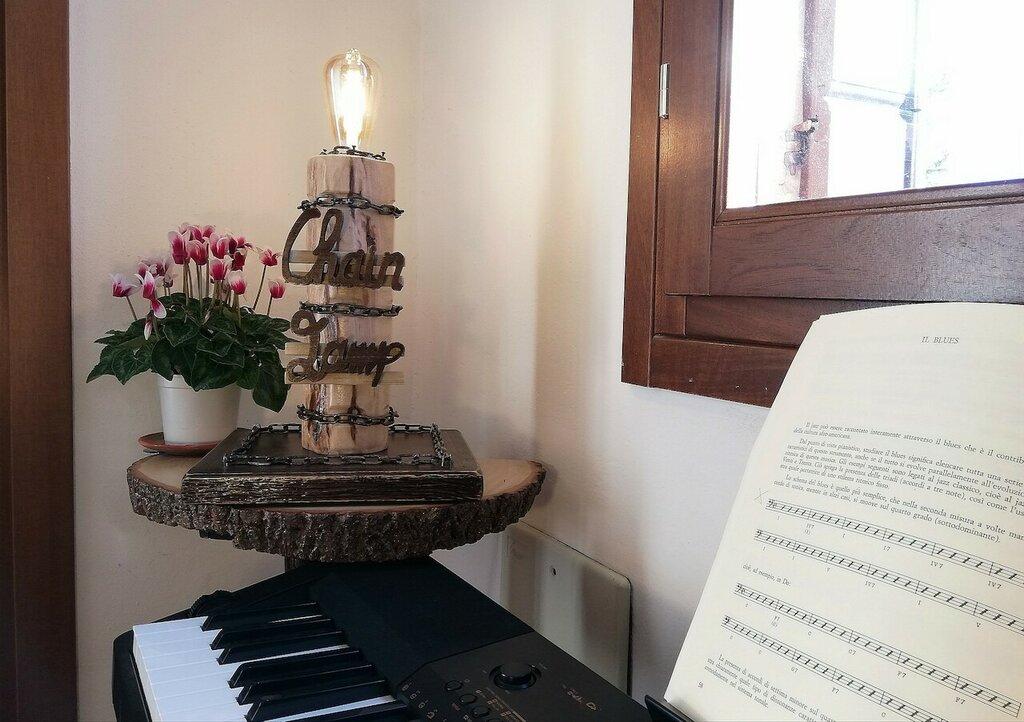 Chain Lamp - lampada in legno