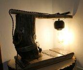 Il Segreto del Rabdomante - lampada in legno