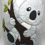 COPERTINA KOALA imbottita in cotone a tema e  in morbido pile  per bimbi fatta a mano.