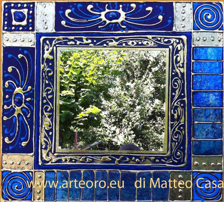 Specchio blu in foglia oro
