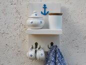 Mensola da muro con ganci, mensola in legno portatazze, mensola in legno bianco da parete