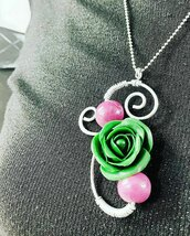 Ciondolo Wire Rosa Verde