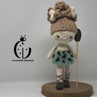 Amigurumi bambola primitiva
