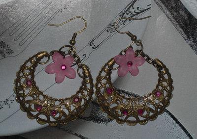 orecchini bronzo mezzaluna e fiori rosa