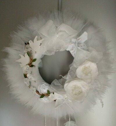 Ghirlanda fuoriporta nozze bianca