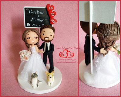 Cake topper sposi personalizzati cartoon con lavagna e animali