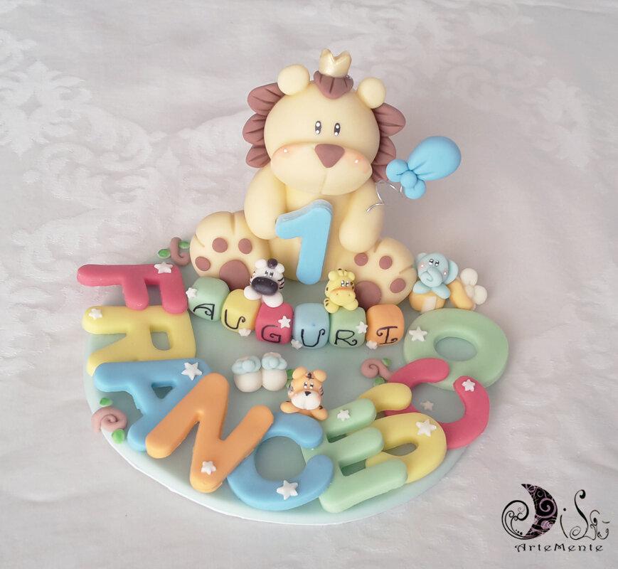 Cake topper leone auguri primo compleanno con base nome multicolor animaletti giungla personalizzabile