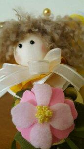 Fatina primavera in pannolenci e perle