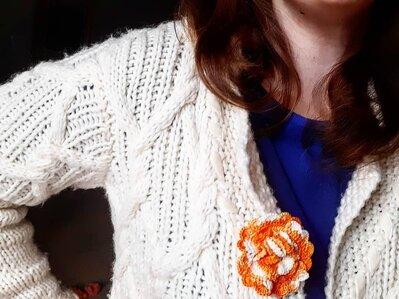 Spilla per abiti Fiorefermaglio in cotone color arancione sfumato