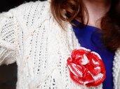 Spilla per abiti Fiorefermaglio in cotone color rosso sfumato