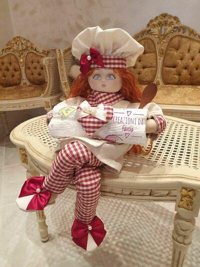 Bambola porta scottex con cuore