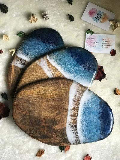 Tagliere decorato con resina a tema oceano - 28 cm