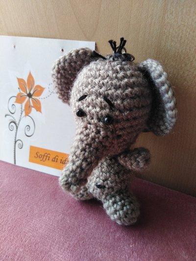 Portachiavi elefantino amigurumi