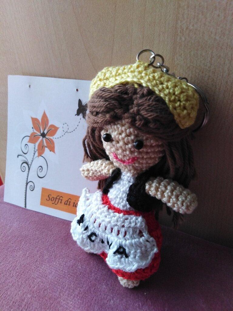 Portachiavi bambolina siciliana amigurumi
