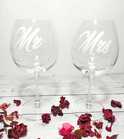 Regali personalizzati. Bicchieri personalizzati. Regalo testimoni. Regalo coppia. Regalo amica.
