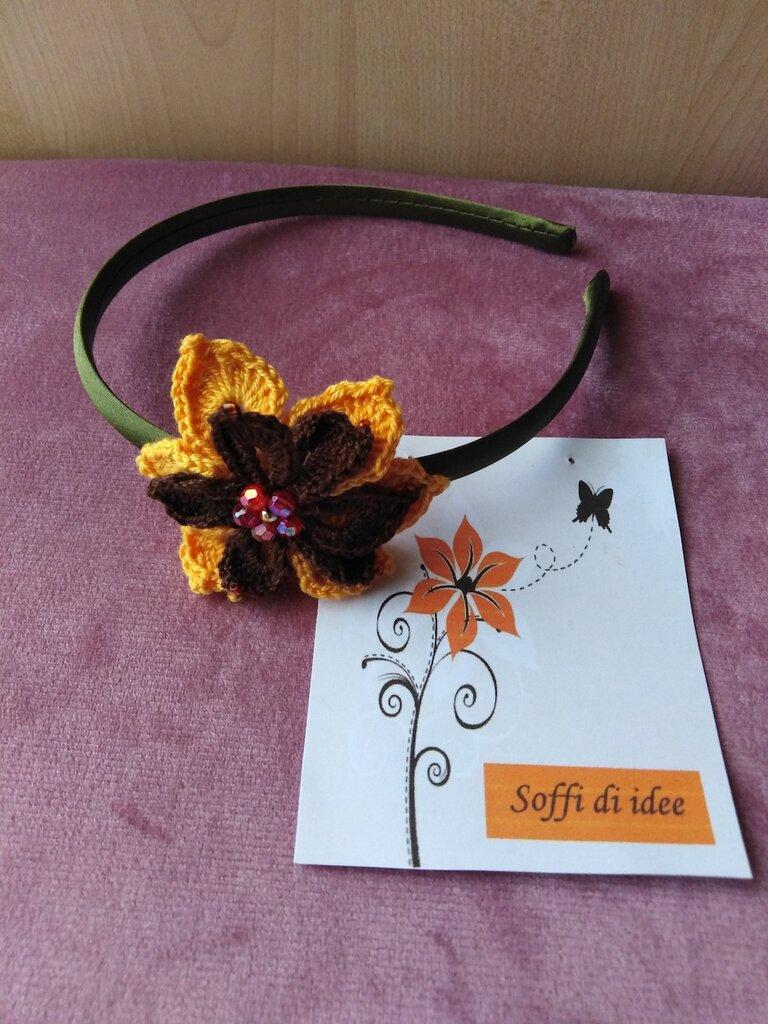 Cerchietto uncinetto fiore