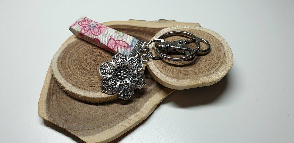 portachiavi/decorazione per borse fiori