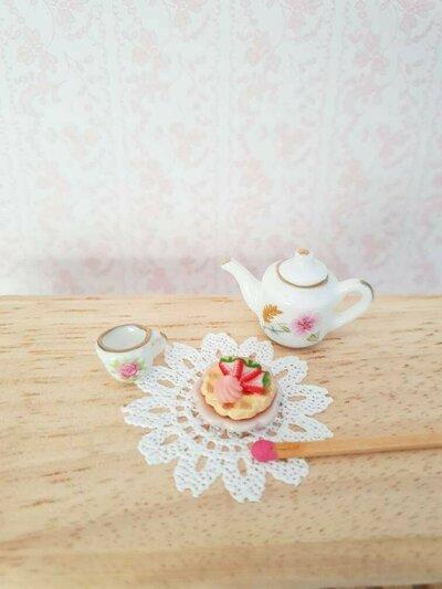 Waffle alla fragola in miniatura - scala 1:12