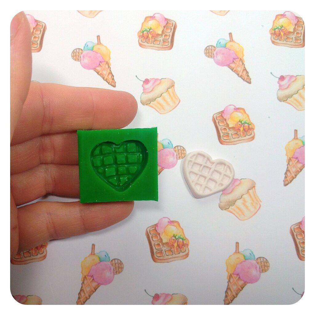Stampo in silicone waffle a forma di cuore per fimo, resina, per dolci in miniatura, misura small
