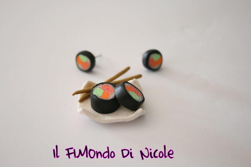 Sushi parure - orecchini a perno + ciondolo - earrings + charm - Fimo