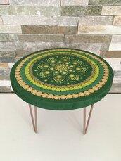 Mini tavolino di legno e metallo dipinto a mano con mandala