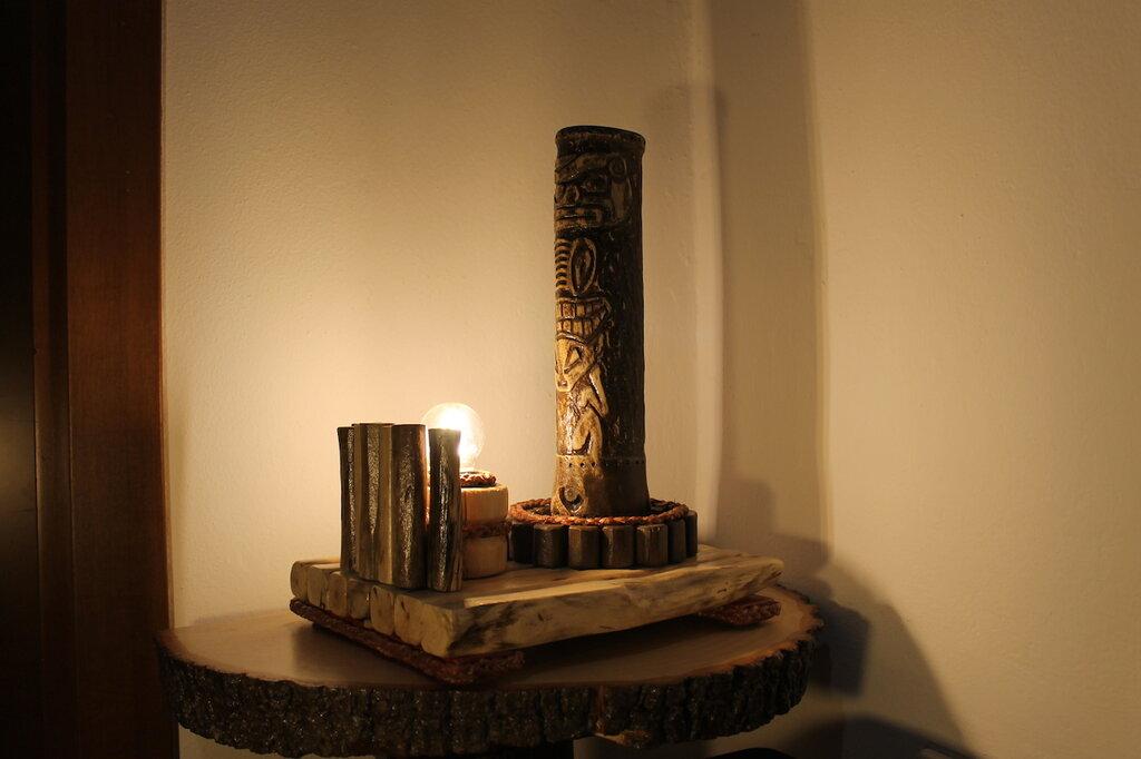Il Pozzo dello Sciamano - lampada in legno