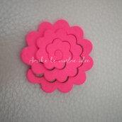 Fustellati fiori rosa in gomma crepla o feltro