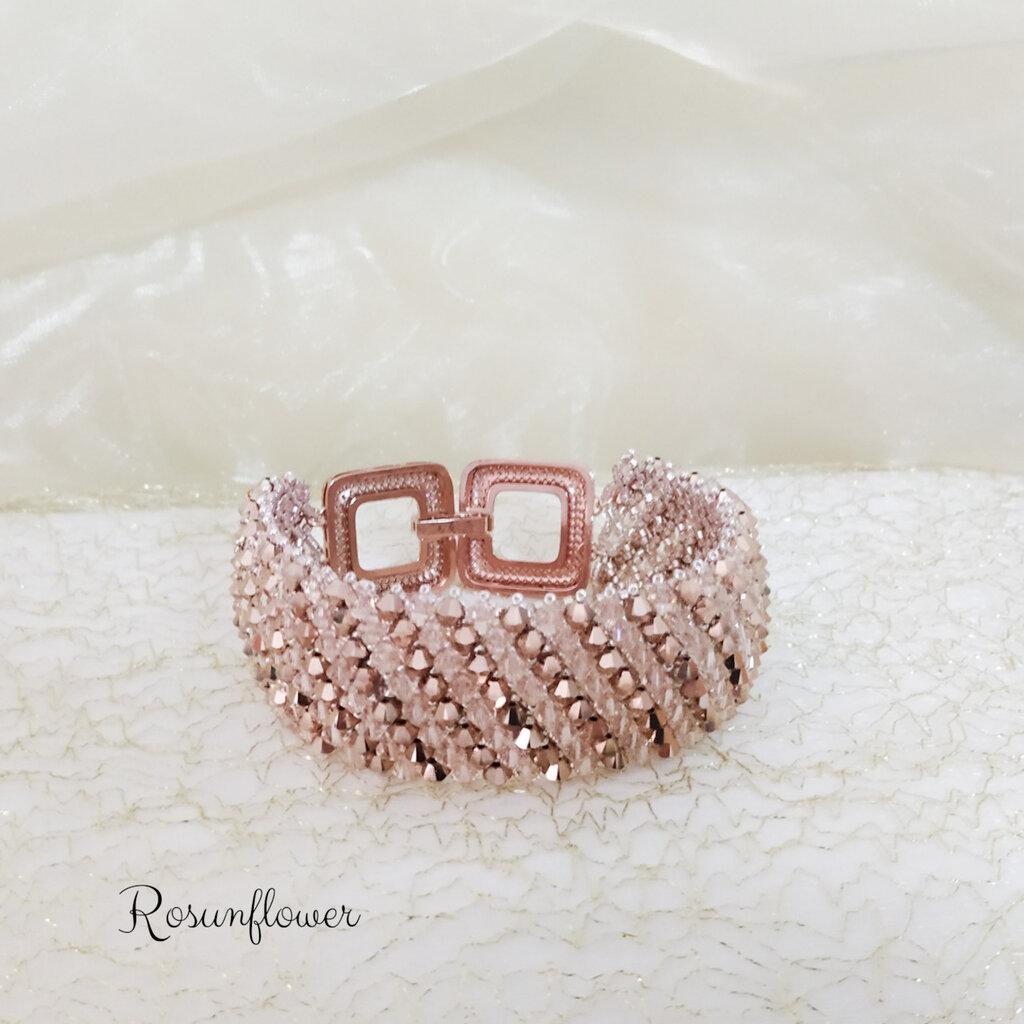Bracciale a fascia con cristalli swarovski rosa, gioiello elegante, prezioso, regalo per lei.