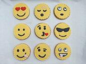 Biscotti decorati segnaposto festa a tema emoticons 18 anni compleanno biscotto ghiaccia reale