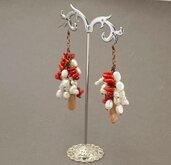 orecchini a grappolo perle e corallo bambù, regalino per amica