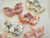Biscotti maschera carnevale festa ghiaccia reale decorati festa a tema glassatura marmorizzata