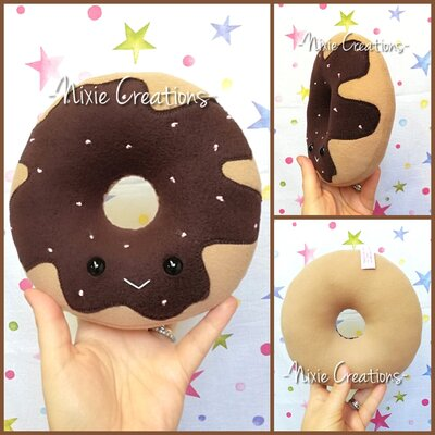Pupazzo Ciambella Cioccolato - Kawaii Sweet Food Plush
