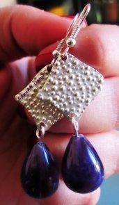 orecchini con ametista e quadrato in argento martellato