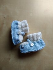 Scarpine in lana neonato ai ferri bianco e azzurro calzine babbucce nascita regalo battesimo calzini ai ferri