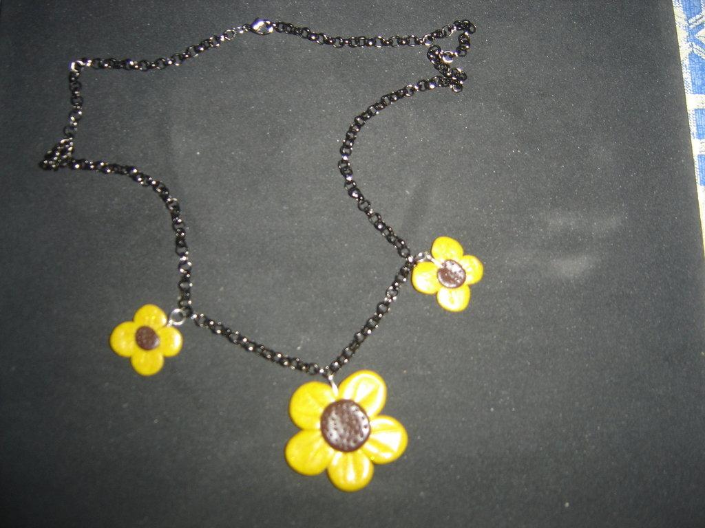 collana fiori dorati