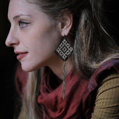 orecchini tradizionali online, ricami a mano , orecchini etnici online