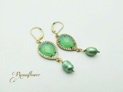 Orecchini pendenti con cristallo verde e perle di fiume, orecchini oro, regalo anniversario