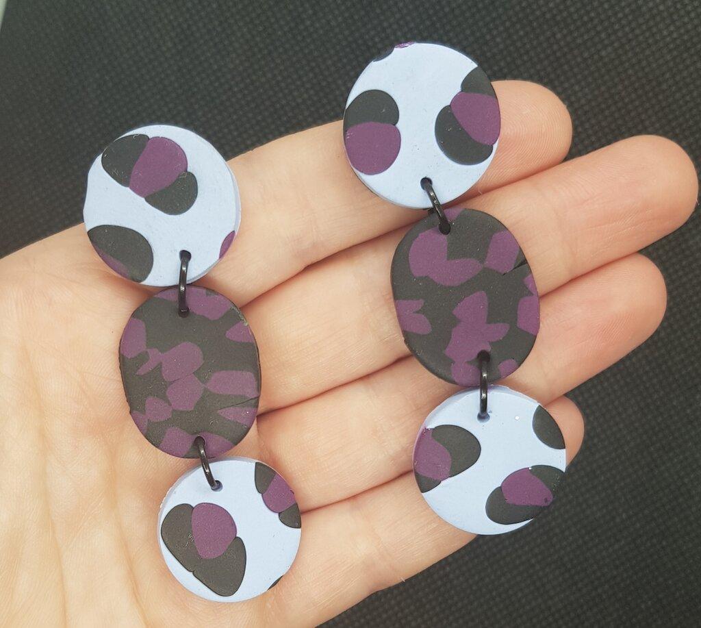 Orecchini leopardati viola fimo pasta polimerica tondi
