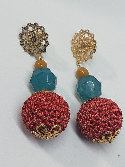 """Orecchini pendenti """"Filigrana e Uncinetto"""" oro e arancione"""