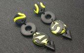 Orecchini neon gialli nero fimo triangolo lunghi pasta polimerica