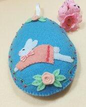 Uovo pasquale con coniglietta salterina