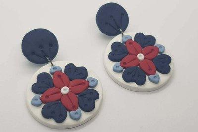 Orecchini blu bianco rotondo maiolica fimo pasta polimerica