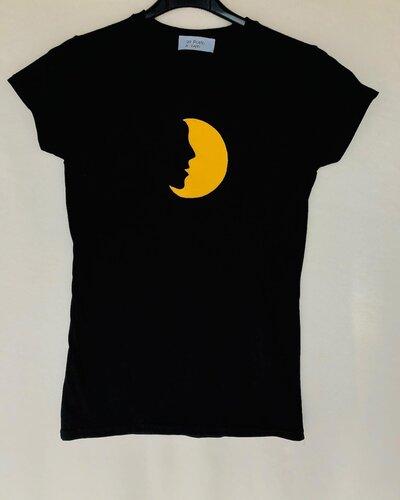 T-shirt viso luna ricamata e pitturata a mano