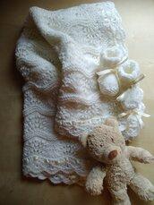 Completo Battesimo copertina e scarpine neonato ai ferri  e uncinetto corredino nascita  lana bianca