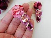 Orecchini soutache floreali con perle e cristalli